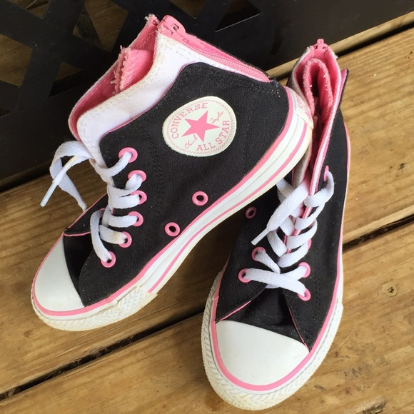 496f2fc33ae3 Converse Other - Gently Used Pair of Girl s Converse Size 13